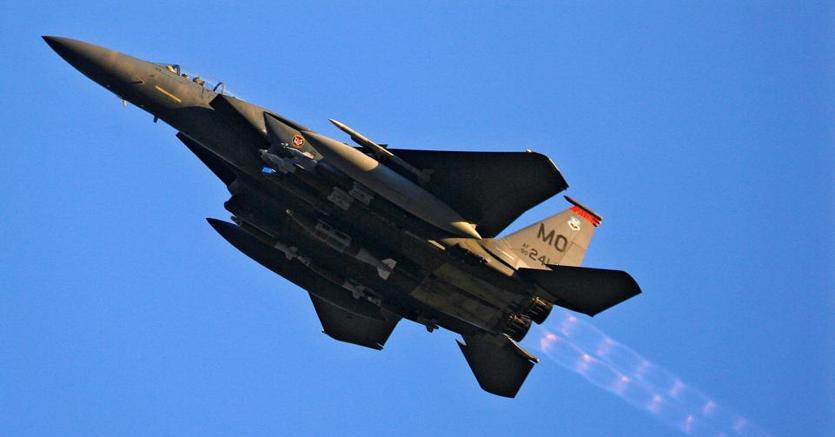 Un caccia F-15 statunitense